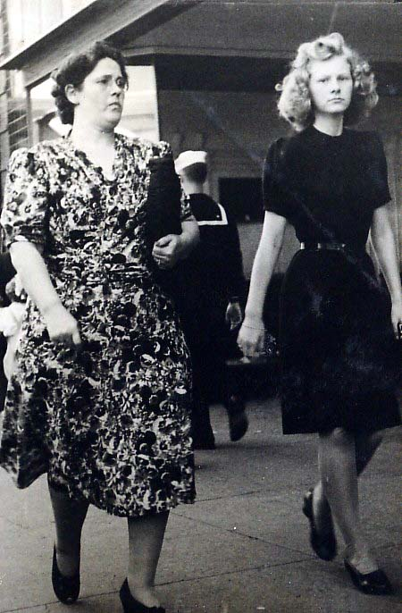 Another of my mother Wilma Leach-Mahanay, on right downtown Ft. Worth. My mom worked at both Monnings and Southwestern Bell for many years. Contributed by Beverly Short