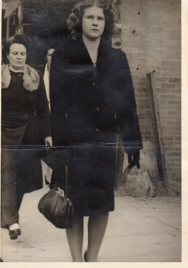 Dorothy Read. Coat and gloves on, probably real cool weather. Contributed by Lynn Todd.