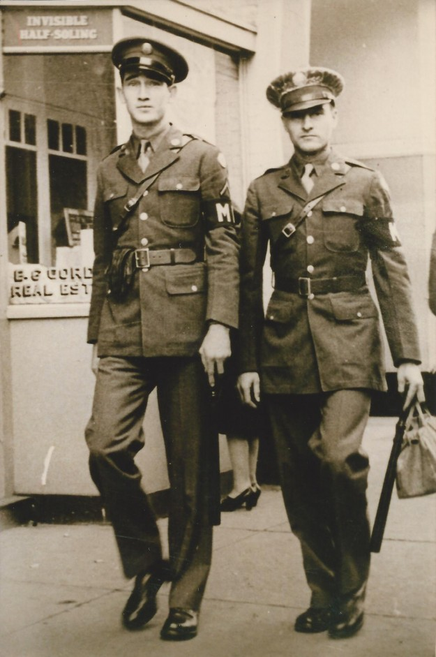 1/11/1943 12pm Glen Robert Shaw on left. Contributed by Glen Shaw