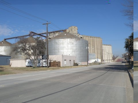 1900-2000 Blocks S. Main Kimbell Milling Co. Grain Elevators.