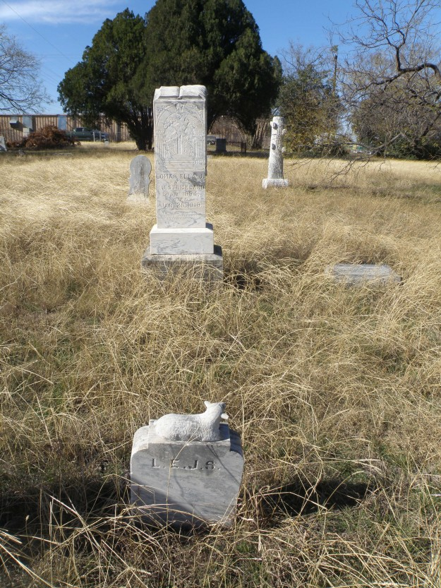 The earliest marked grave dates from 1852 and the last burial was in 1967.